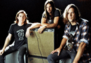 CD102.5 Presents The Whigs